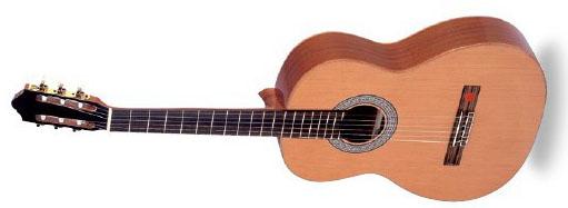 Классическая акустическая гитара размером 4/4